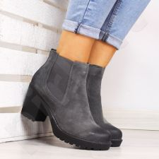 Auliniai batai Sabatina